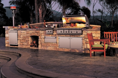 Luxurious Outdoor Kitchens Picture