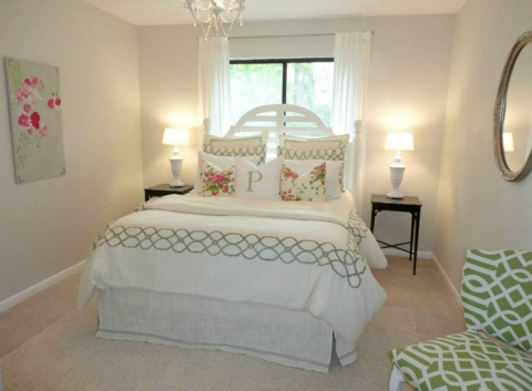 How to Decorate Your Guest Bedroom Picture